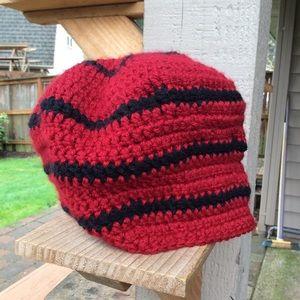 Beanie Boutique hat red/black